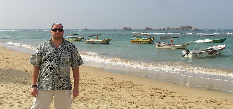 А.П. Иванив в заливе, у стоянки катеров, перед отплытием на коралловый риф (Шри Ланка, Хиккадува, январь 2008 года)